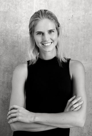 Zilla van der Born, JDO Management